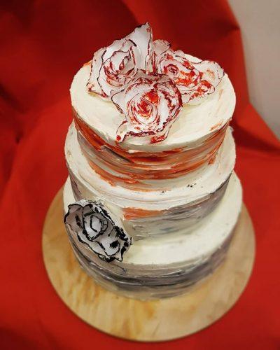 Tort weselny kwiaty jadalne