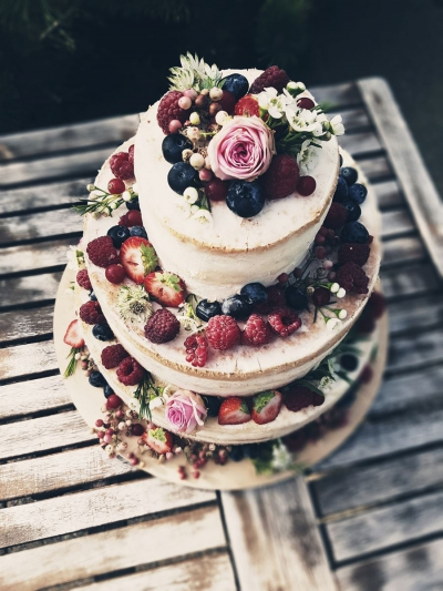 Tort ślubny boho